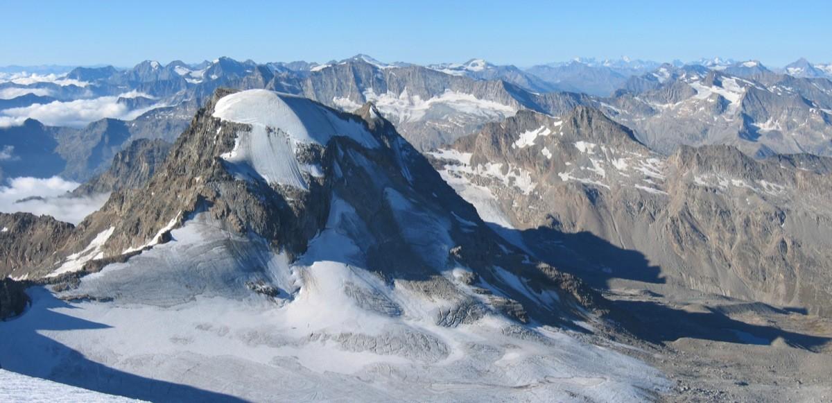 Ciarforon vu des abords du sommet du Grand Paradis