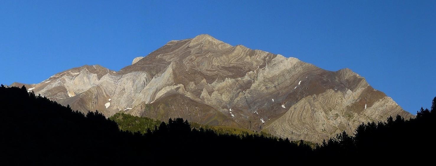 Curieuse structure dans le massif des Posets
