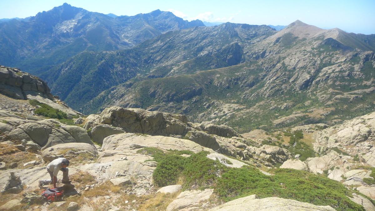 Monte d'Oro au fond à gauche