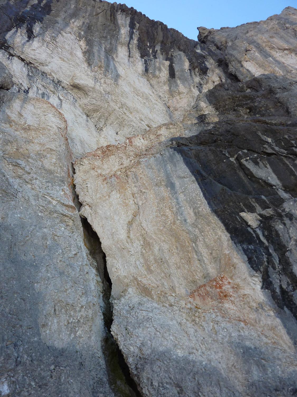 Tour du Marboré - classique face Nord (voie Ravier-Dufourmantelle) - L7 la grande fissure avec cheminée intérieure