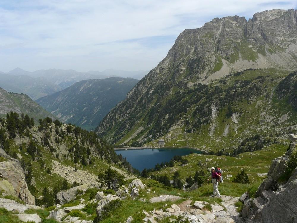 En descendant sur le lac Restanca