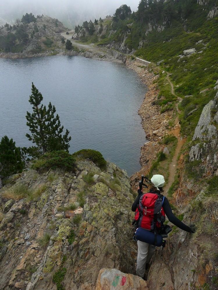 Passage délicat au dessus de l'étang Romedo de Baix