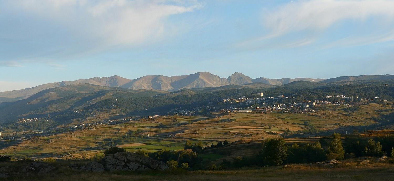 El massís del Carlit vist des de la vall d'Eina