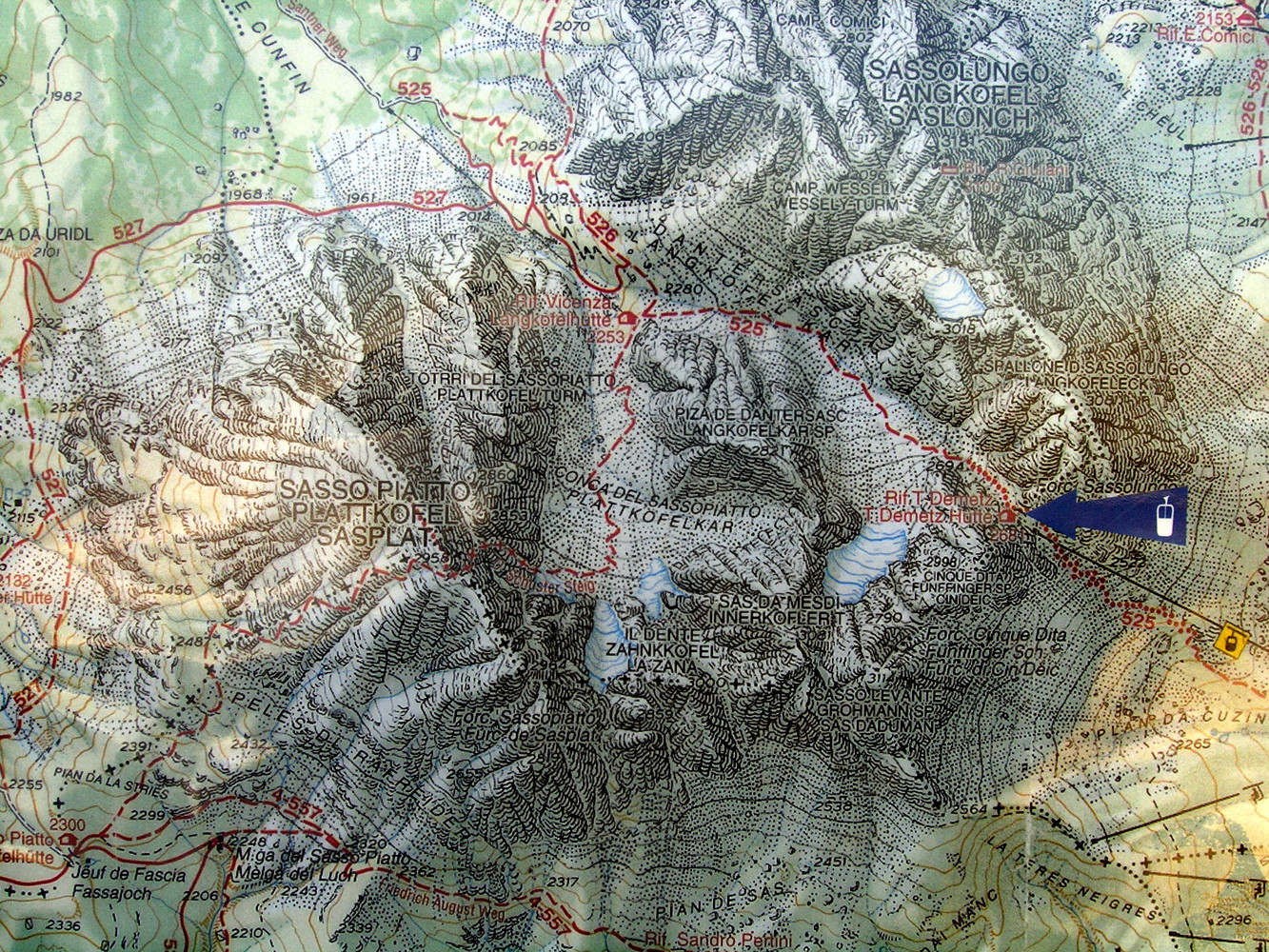 Carte du groupe du Sassolungo