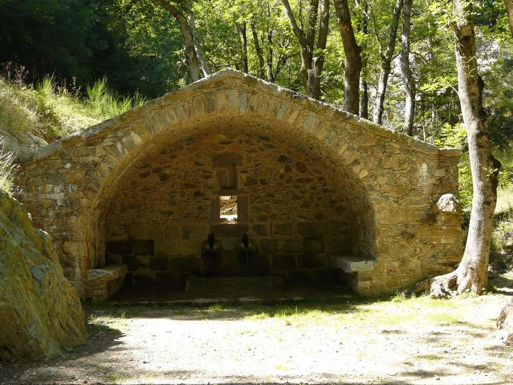 Fontaine au dessus du danctuaire des Salines