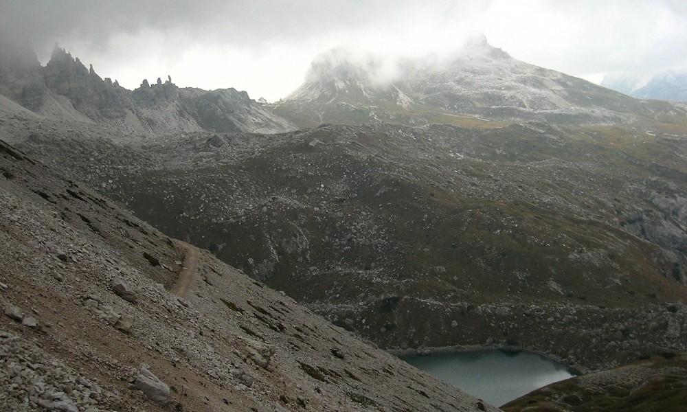 Retour au refuge Locatelli depuis Pian di Cengia sur le sentier n°101