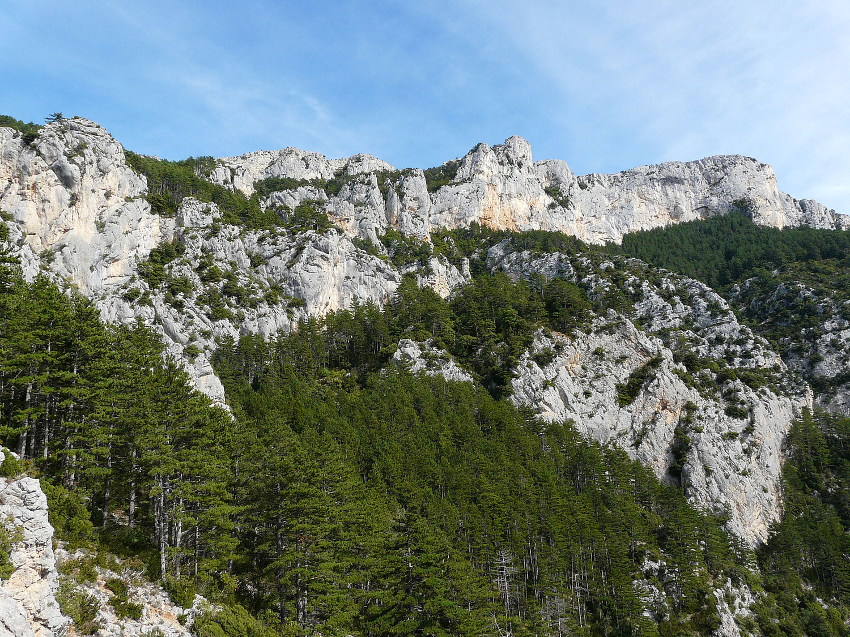 La crête de Plein Voir (Verdon) depuis St Maurin