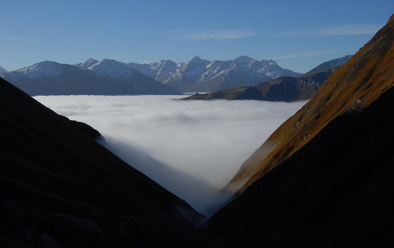 Nebbie sopra Livigno dalla Valle del Saliente.