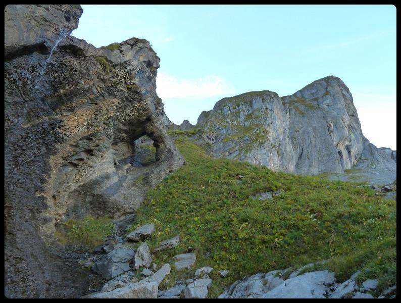 Formation rocheuse sur le chemin qui mène à la Vogealle