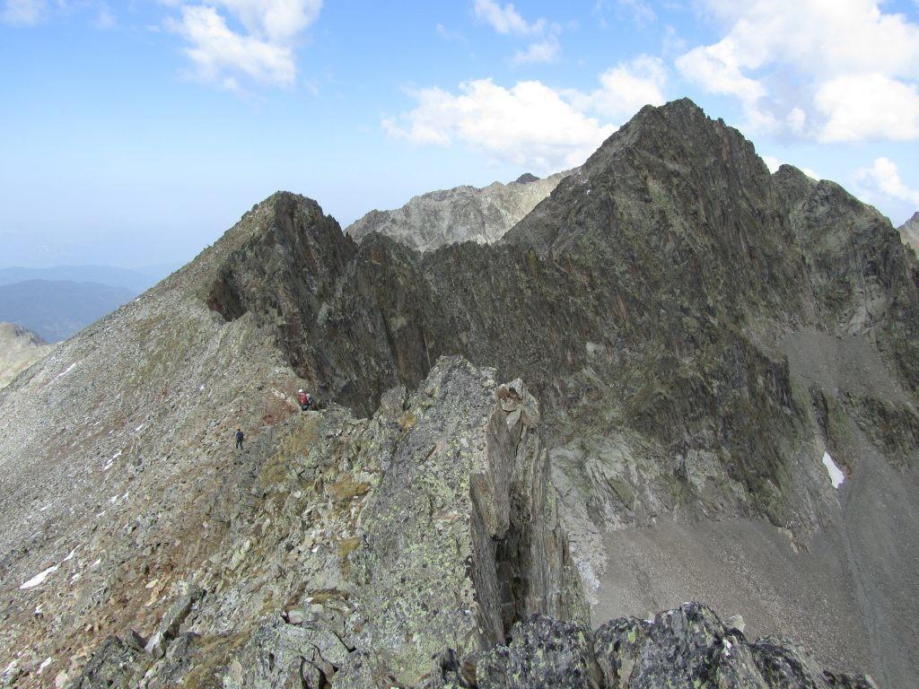 Les arêtes de la traversée depuis le sommet du Toit