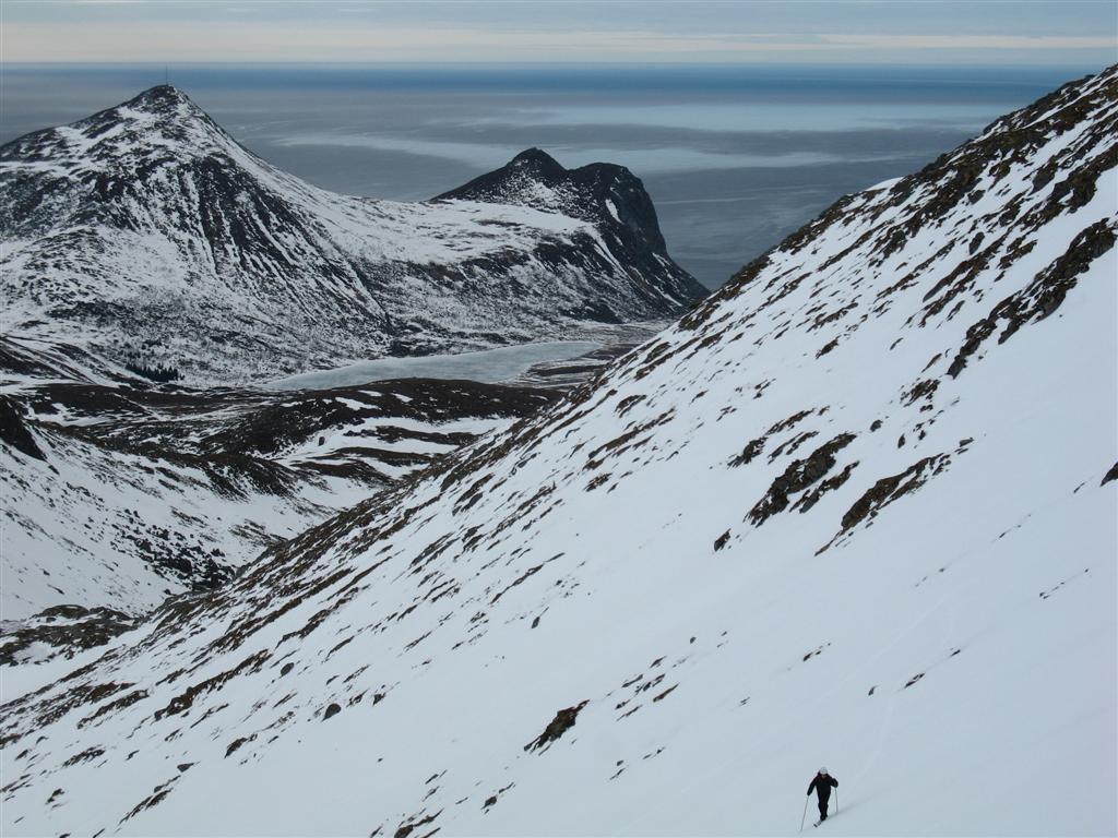 montée au Stornappstinden, îles Lofoten