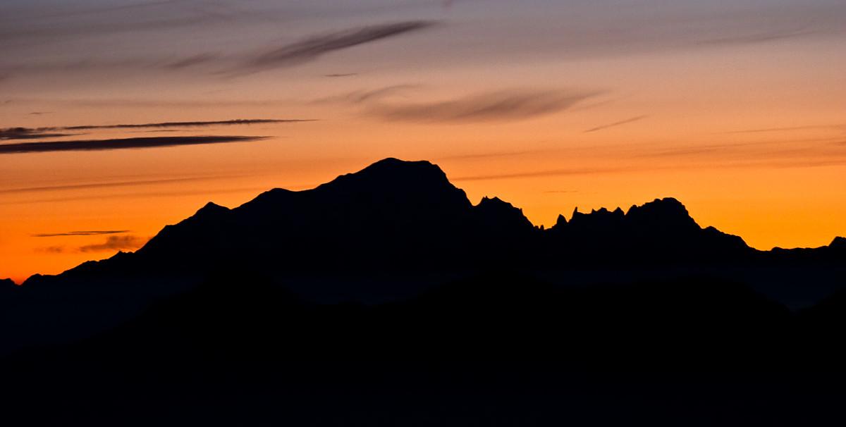 Aurore sur le Mont Blanc | www.davphotos.fr