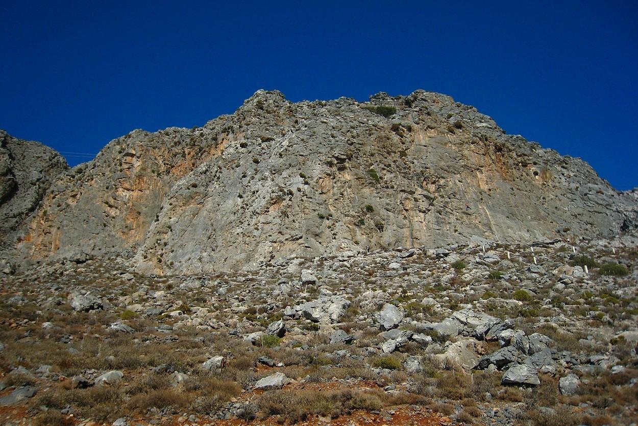 Kalymnos : Grey Zone (G) et Sea Breeze (D) vus de la route