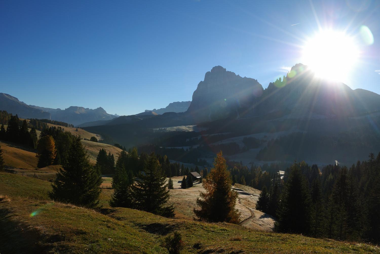 Plateau du Seiser Alm, au fond le Sassolungo