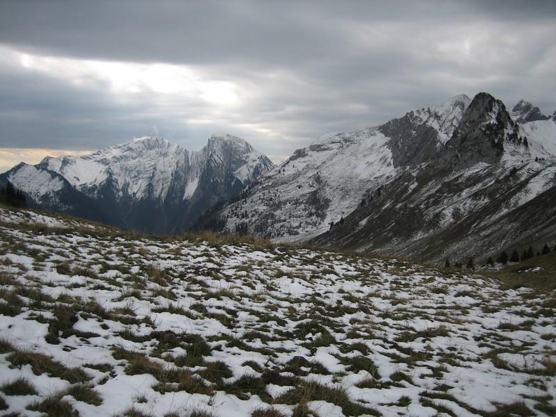Mont d'Armenaz et Pécloz au fond