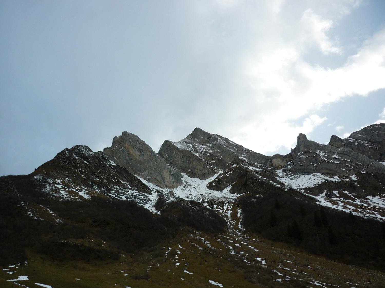 L'approche vu du Col des Aravis
