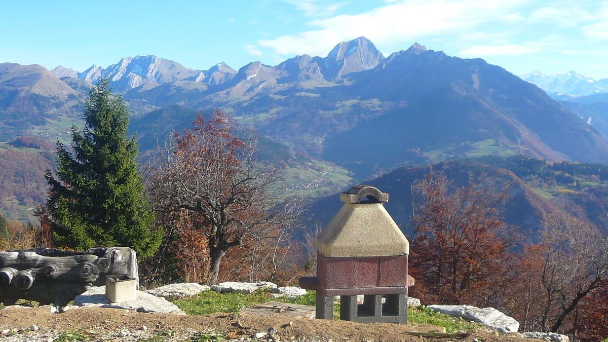 Panorama depuis le chalet du Chouet