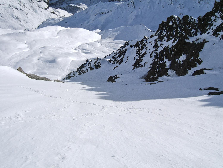 L'autre moitié sera en neige dure vue l'ombre qui gagne et la brise se rafraîchissant.