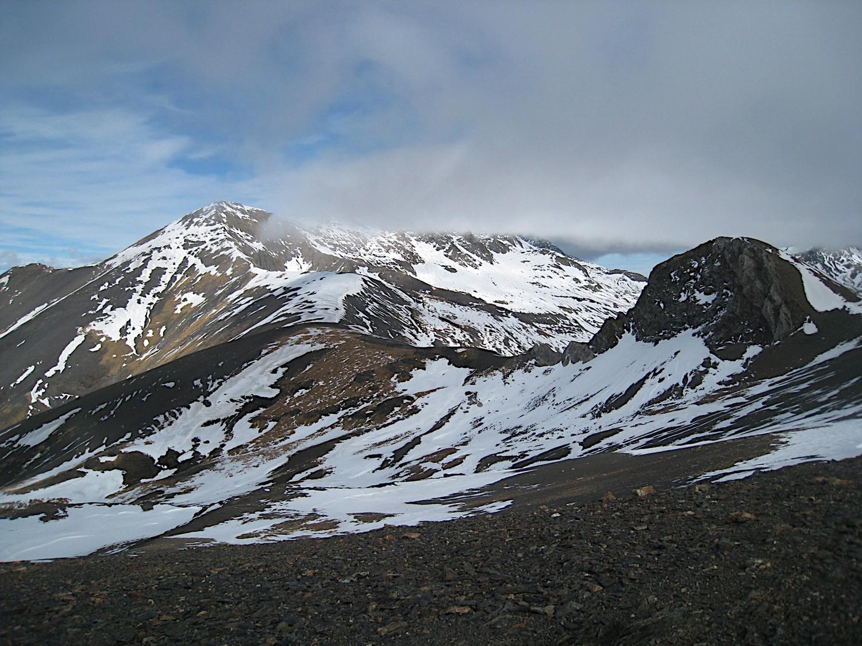 Le Pic de Cauarère et Pic de  Batoua dans les nuages