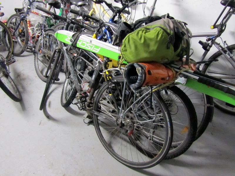 De drôles d'engins dans la cave à vélo de mon bloc...