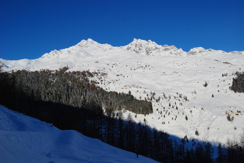 I Pizzi di Pian 3158 m e Pizzi Ferrè 3103 m durante la salita al Monte Bardan-