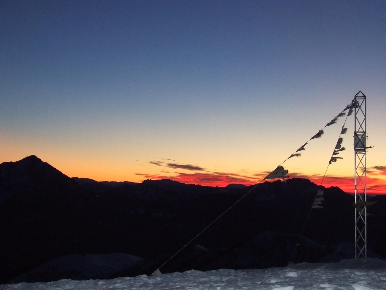 alba dalla cima del monte San Primo