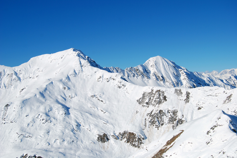 Il M. Sellero 2744 m e Telenek 2754 m dal M: Largone 2449 m.
