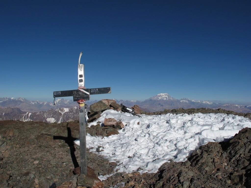 sommet du Plata (5930m)