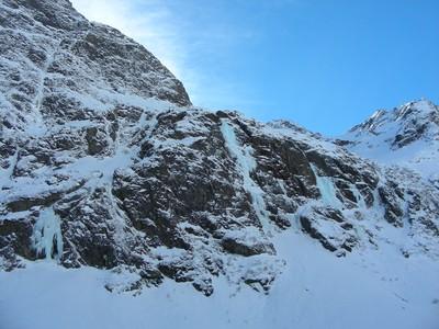 Les cascades des Arias dklzzwxh:0000en bas (Vallon de la Mariande)
