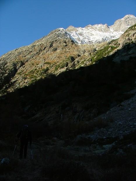versant Sud sous le glacier de Greuvetta par lequel nous allons monter