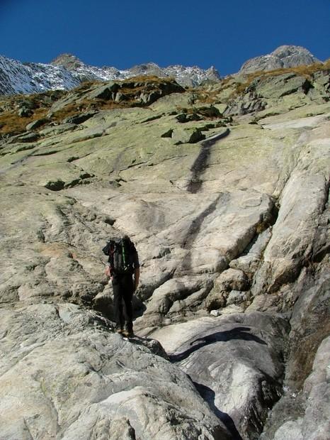 de belles dalles pour atteindre le glacier de Gruettaz
