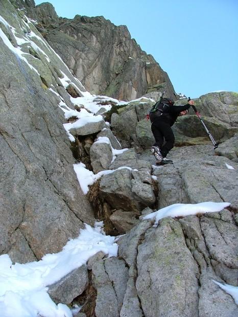 Descente du bivouac Comino, en versant Est, c'est style neige, glace et roc ...