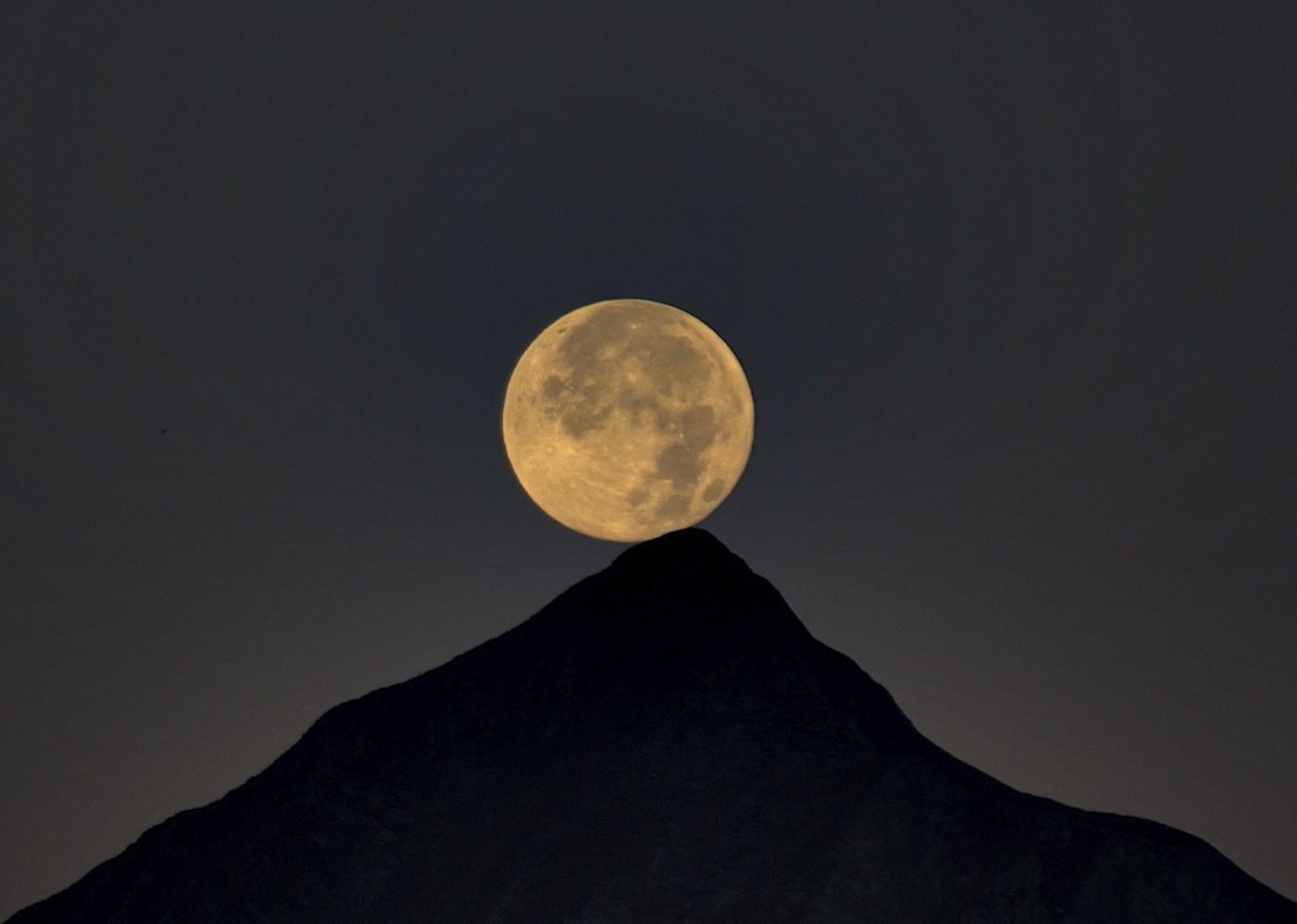 couchée de lune sur le Charvin