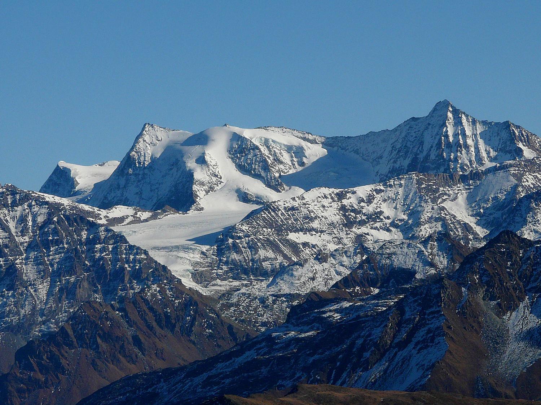 Mont Blanc de Cheilon et la Ruinette à droite