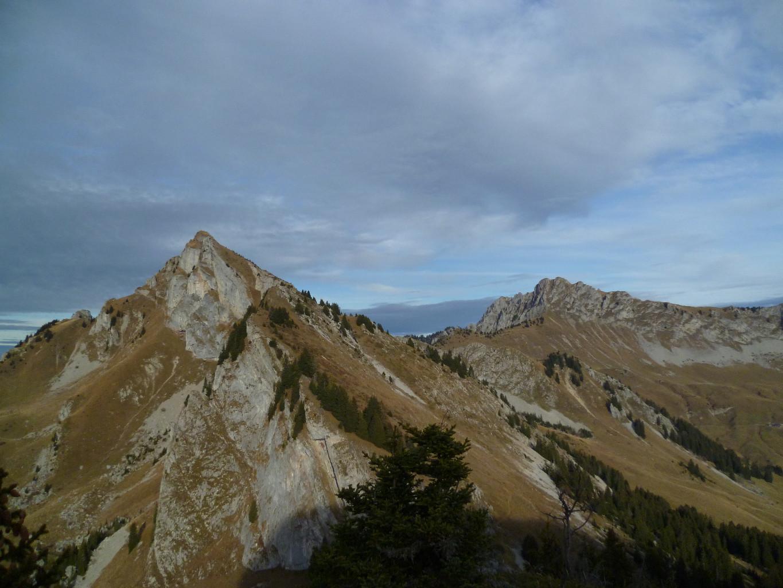 Vu du sommet sur La Haute Pointe et la Pointe de Chavasse