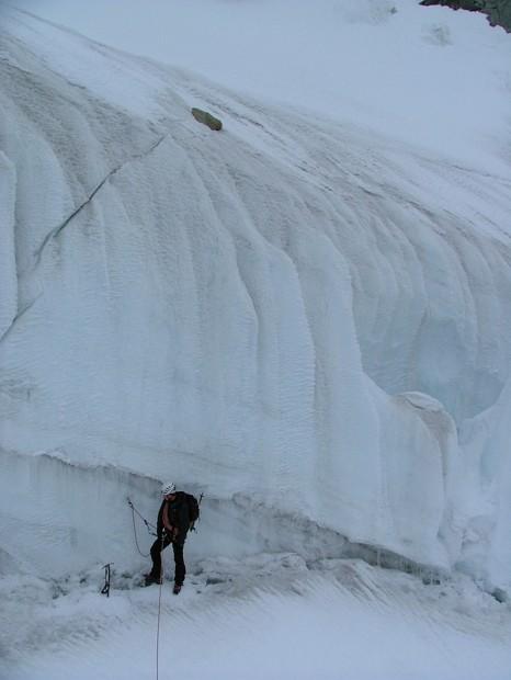 Glacier de Fébrouze, dans la plus grosse crevasse que nous aurons eu à franchir