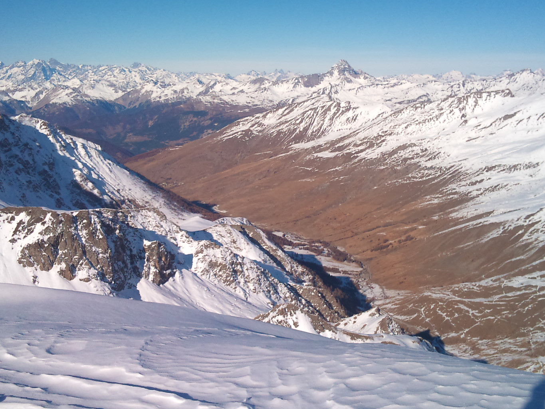 les versants suds de la vallée de fontgillarde