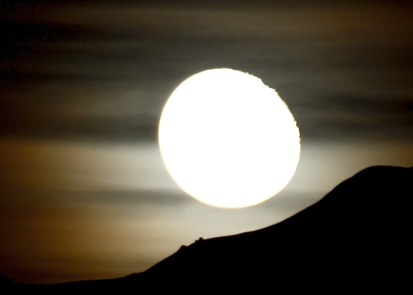 la lune séjourne au refuge Vallot 2