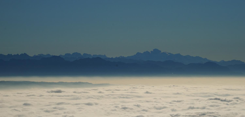 Les Alpes vues depuis les Aiguilles de Baulmes (Jura)