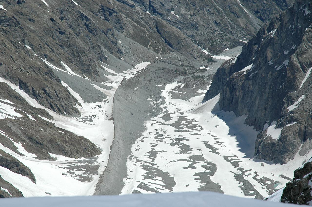 Glacier Noir, sa moraine et le sentier de montée au Glacier Blanc