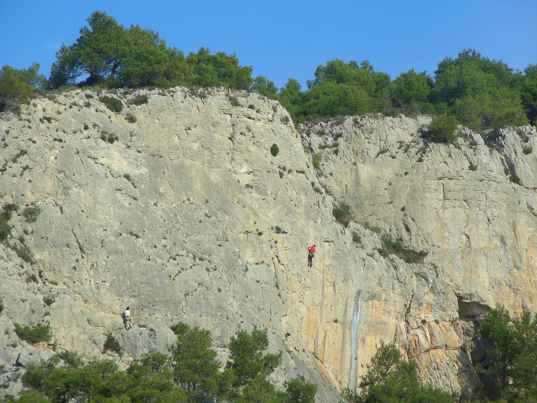 Escalade à la Chandelle (massif de la Clape)