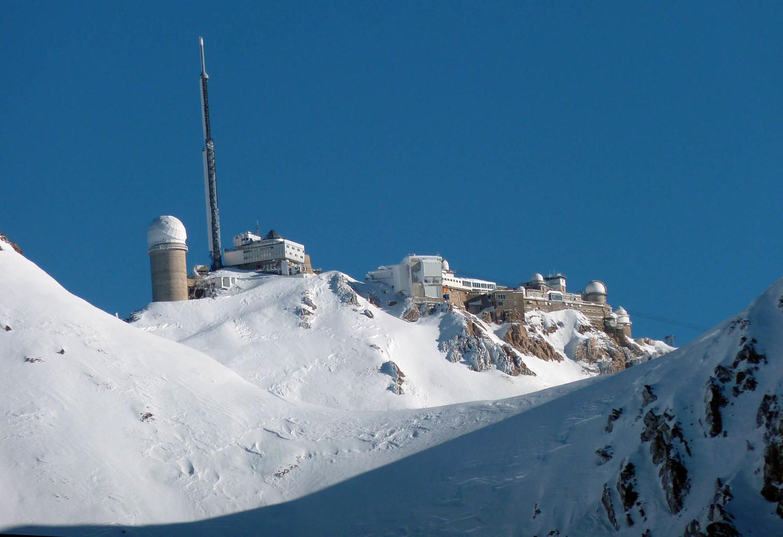 Pic du Midi qui lévite au-dessus du col d'Oncet