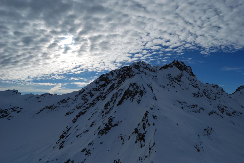Cielo a pecorelle sopra il Poncione di Valleggia 2873 m