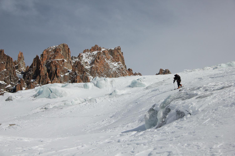 montée par le glacier, en rive droite