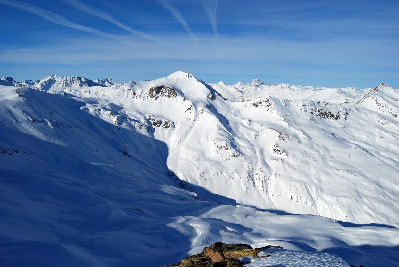 Il versante orientale del Munt Cotschen 3103 m dal Monte Campaccio 3007 m