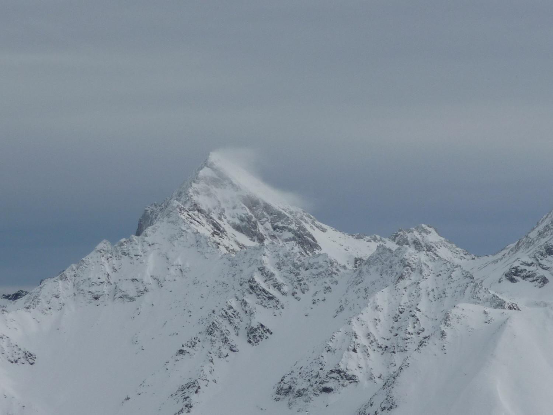 Vento in punta al Mont Emilius