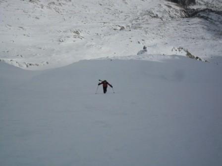 ...ultimo tratto a piedi causa neve stile pista da motocross...