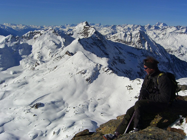 Punta Valfredda - du côté du Mt Blanc. Pta Palasina en contre-bas au 1er plan pour tout à l'heure.