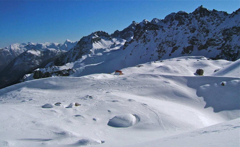 Bivouac vers 2450m et vue sur l'itinéraire allant à Mte Soubeyran.