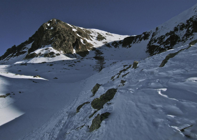 Le soleil montre l'itinéraire pour rejoindre le Col d'Orgials.
